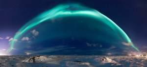 aurore boréale under the dome